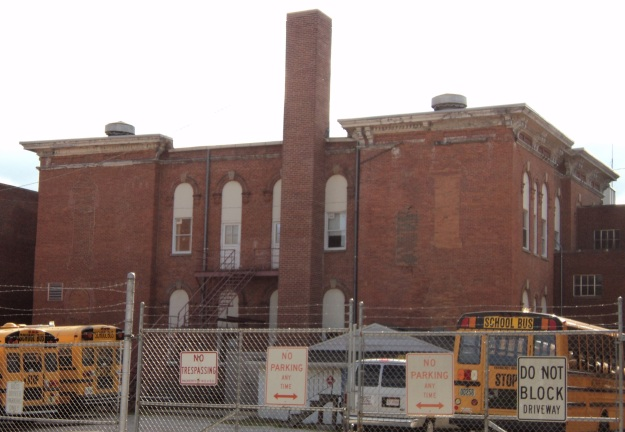 View from Courtland Street of the Union School, still visible within the structure of McCormick Middle School. Photo by author.